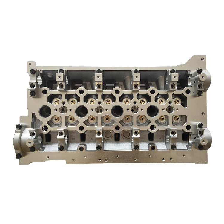 7701474144 7701474715 7701476952 Cylinder Head for RENAULT